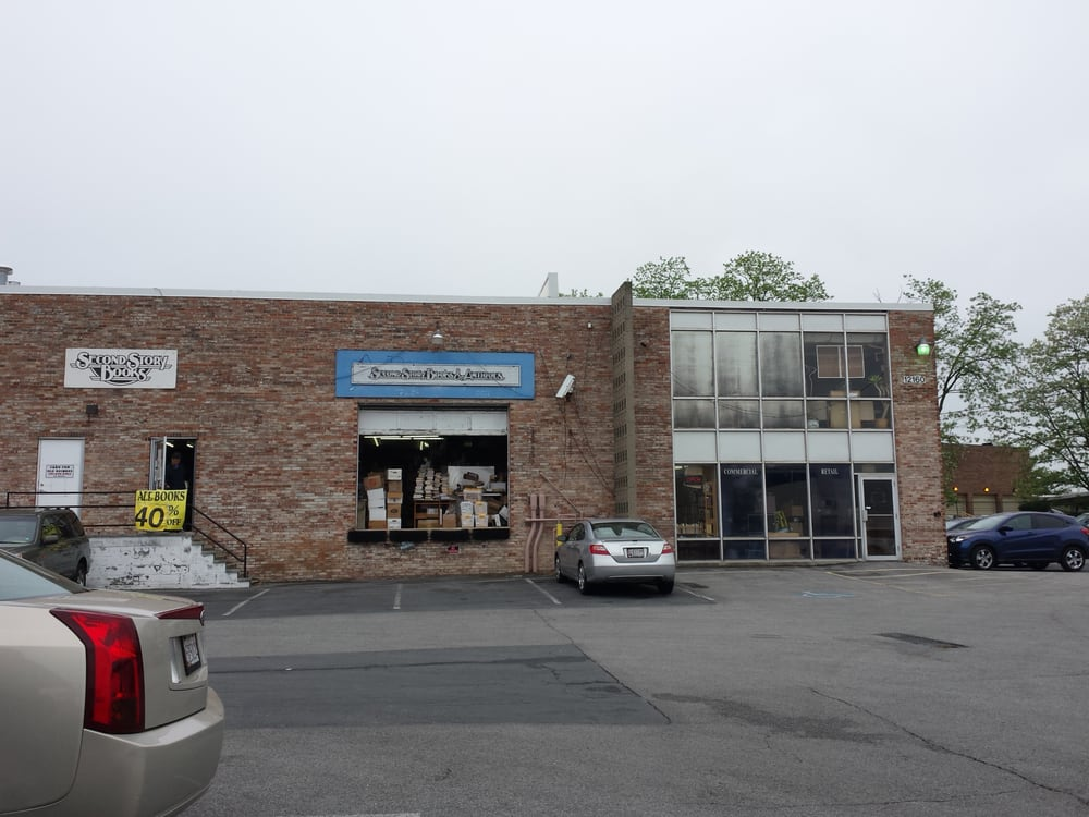 Second Story Books & Antiques: 12160 Parklawn Dr, Rockville, MD