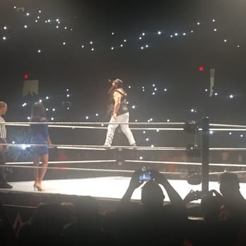 Allstate Arena Wwe Holiday Tour