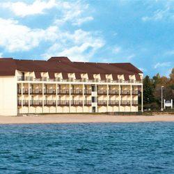 Photo Of Best Western Plus Dockside Waterfront Inn Mackinaw City Mi United States