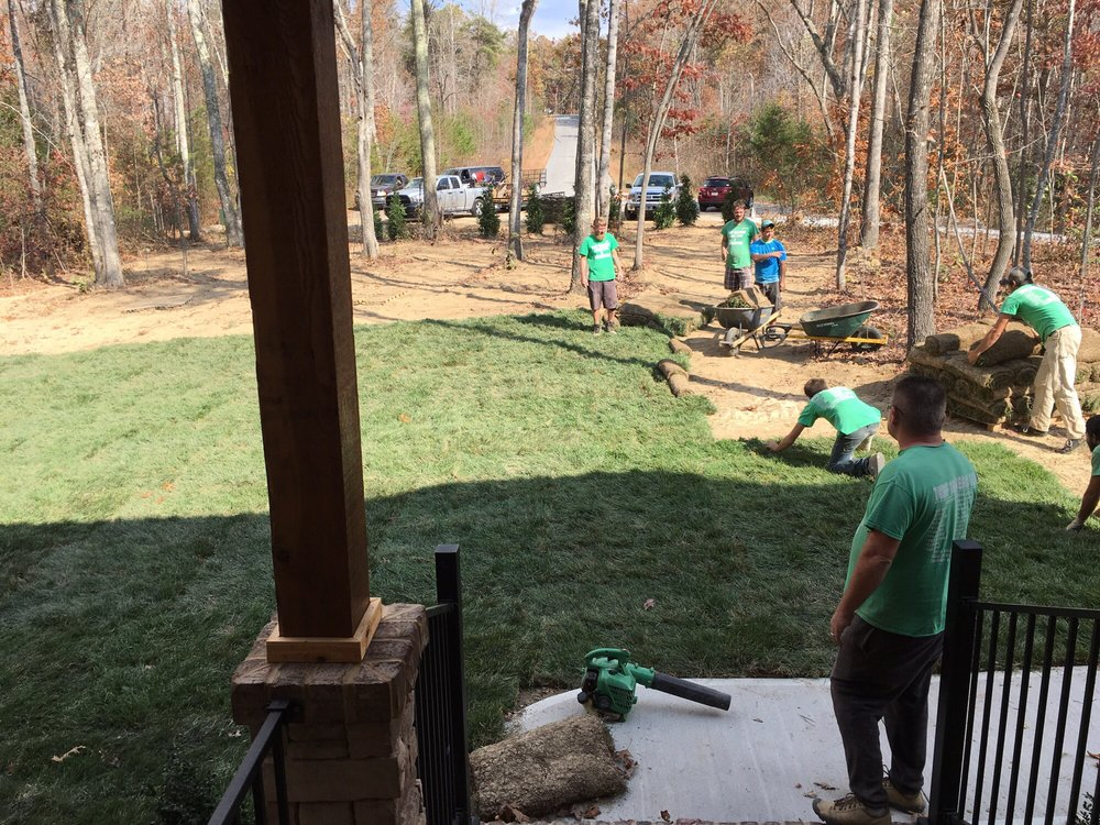 Turf Tenders: 349 Highland Ln, Crossville, TN