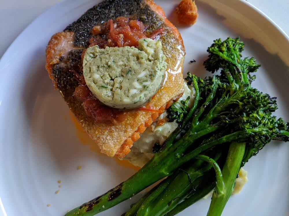 Timbers Restaurant - Salmon Falls Resort: 16707 N Tongass Hwy, Ketchikan, AK