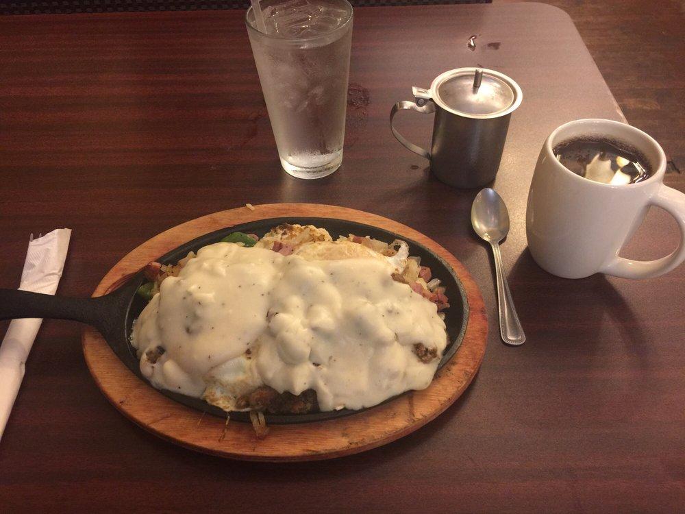 Sweet Boys Diner: 220 N Mason St, Bowie, TX
