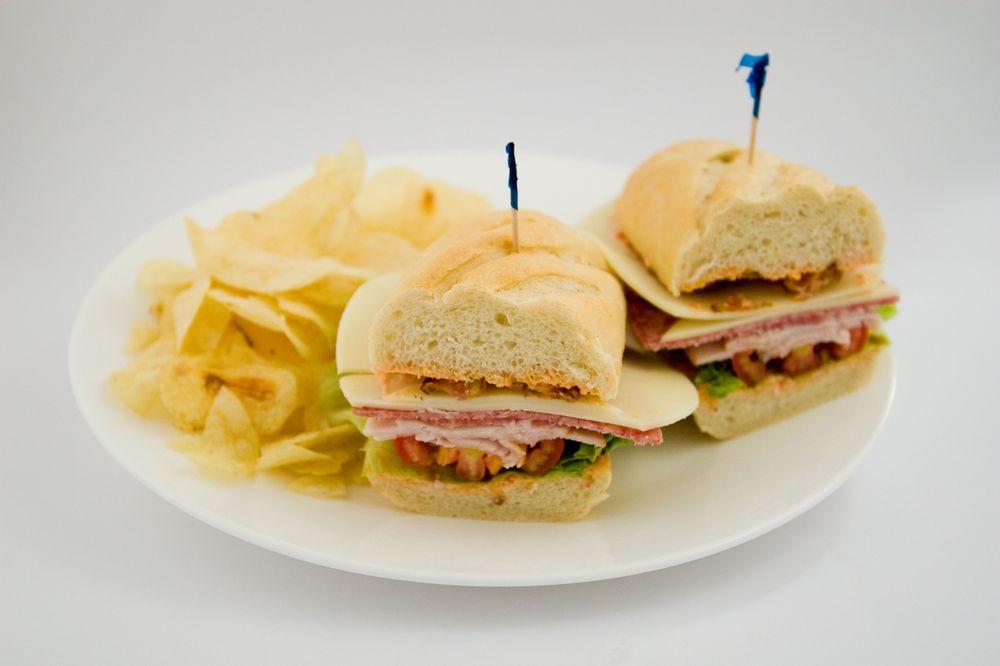 Simply Grand Cafe: 301 E 4th St, Cincinnati, OH