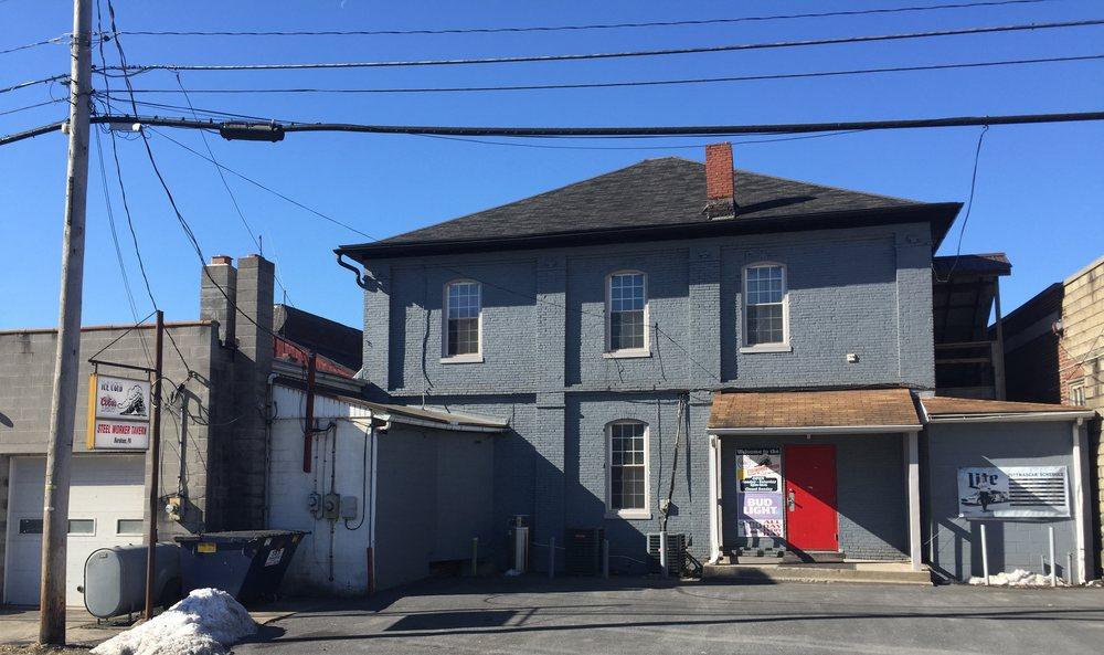 The Steelworker Tavern: 13 N Walnut St, Burnham, PA