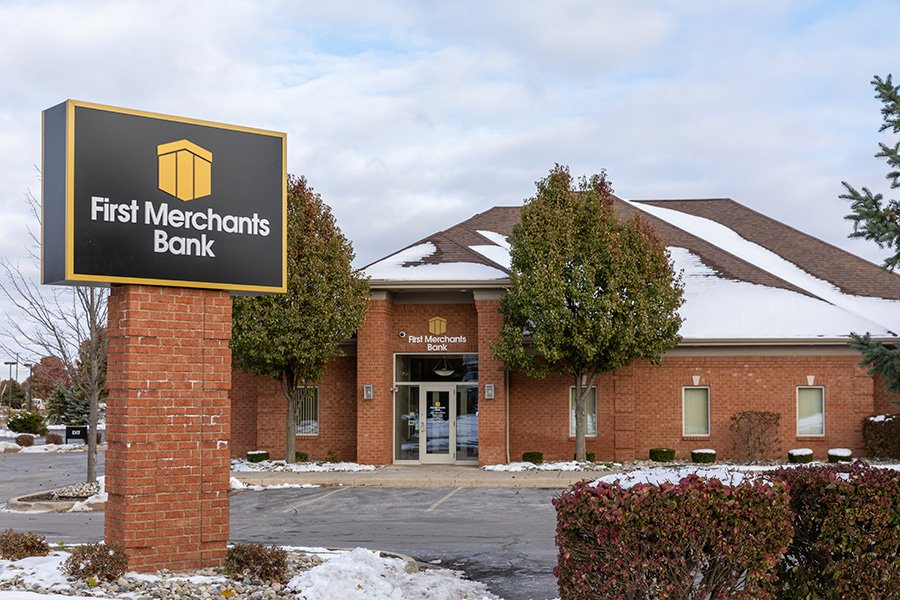 First Merchants Bank: 123 Helle Blvd, Dundee, MI