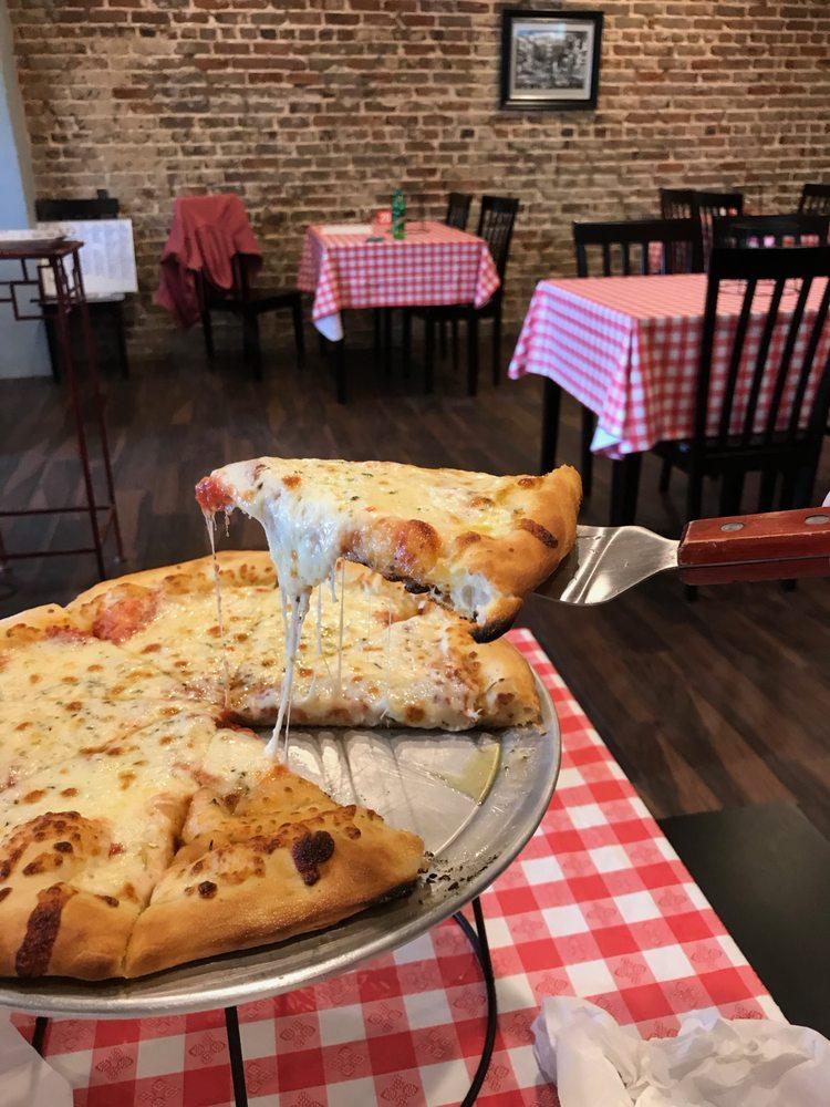 Vertillo Pizza & Grill: 312 N Montgomery Ave, Sheffield, AL