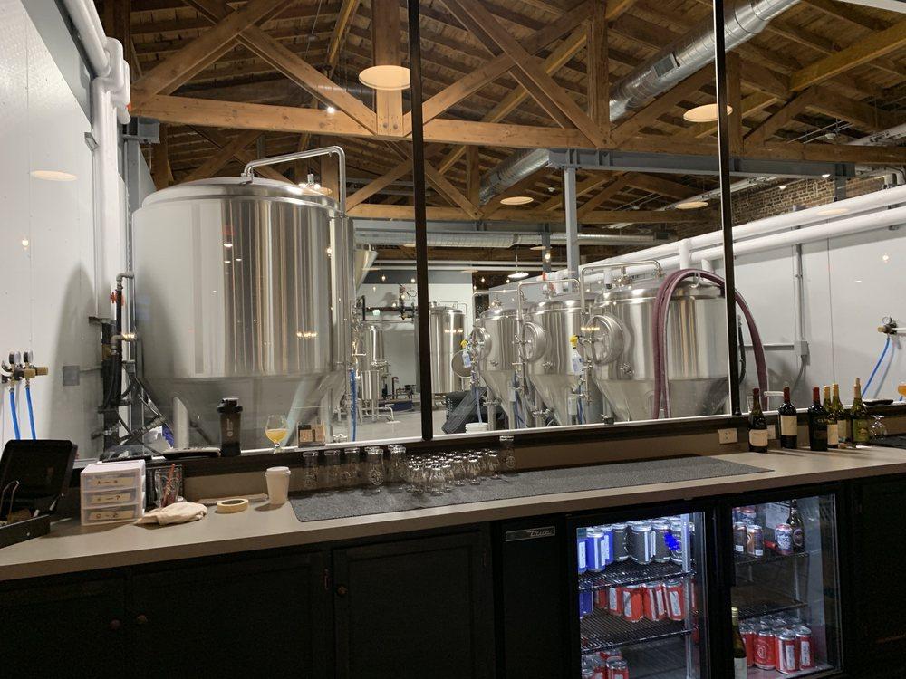 Dimensional Brewing: 67 Main St, Dubuque, IA