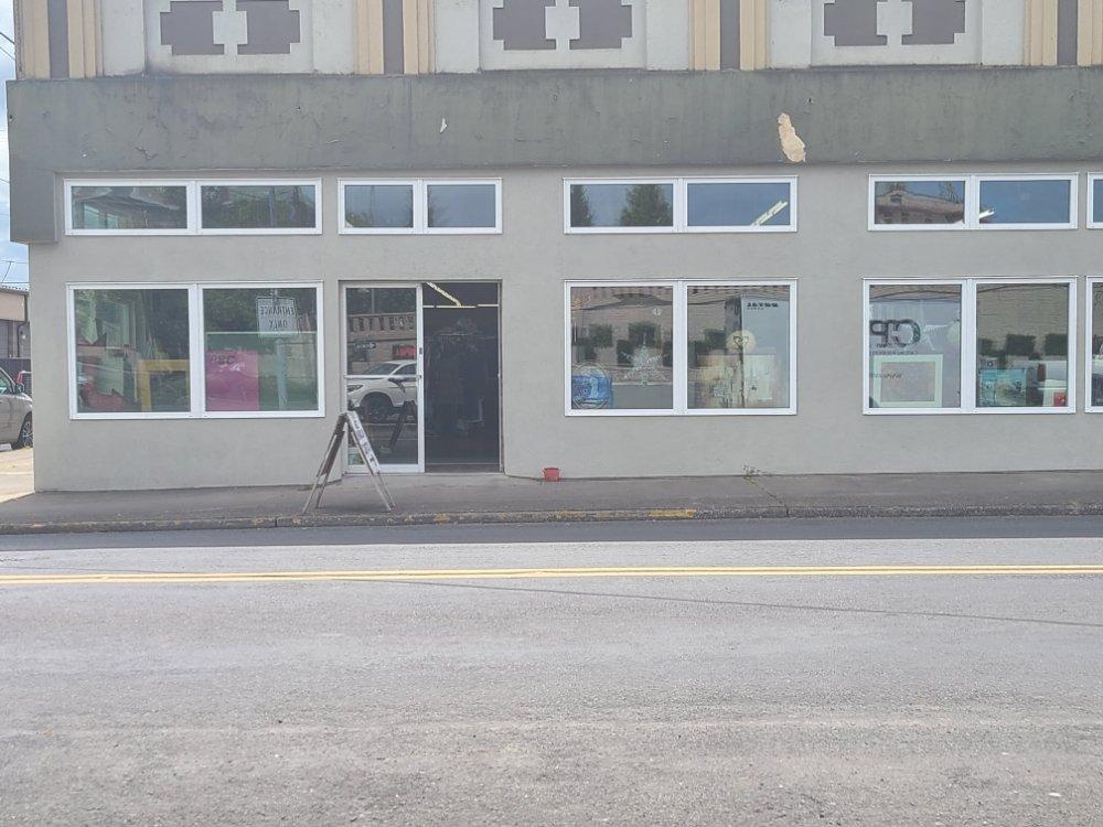 ABC Bargain Center: 210 Oak St, Kelso, WA