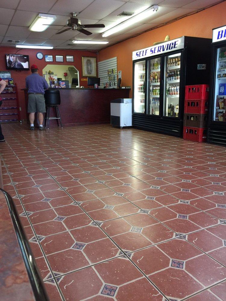Prima Market Taqueria: 5717 SE Abshire Blvd, Belleview, FL