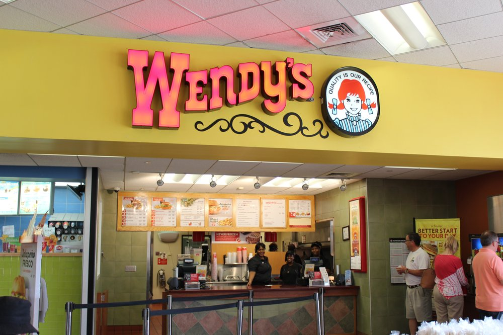 Wendy's: 923 Johnston Parkway, Kenly, NC