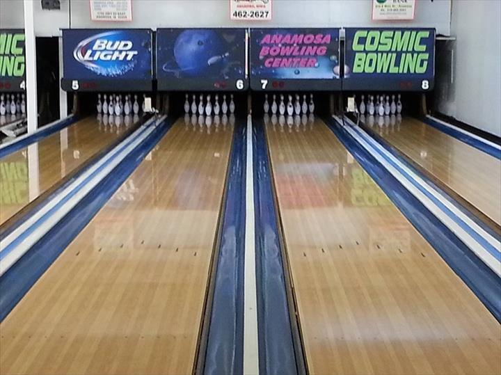 Anamosa Bowling Center: 117 N Ford St, Anamosa, IA