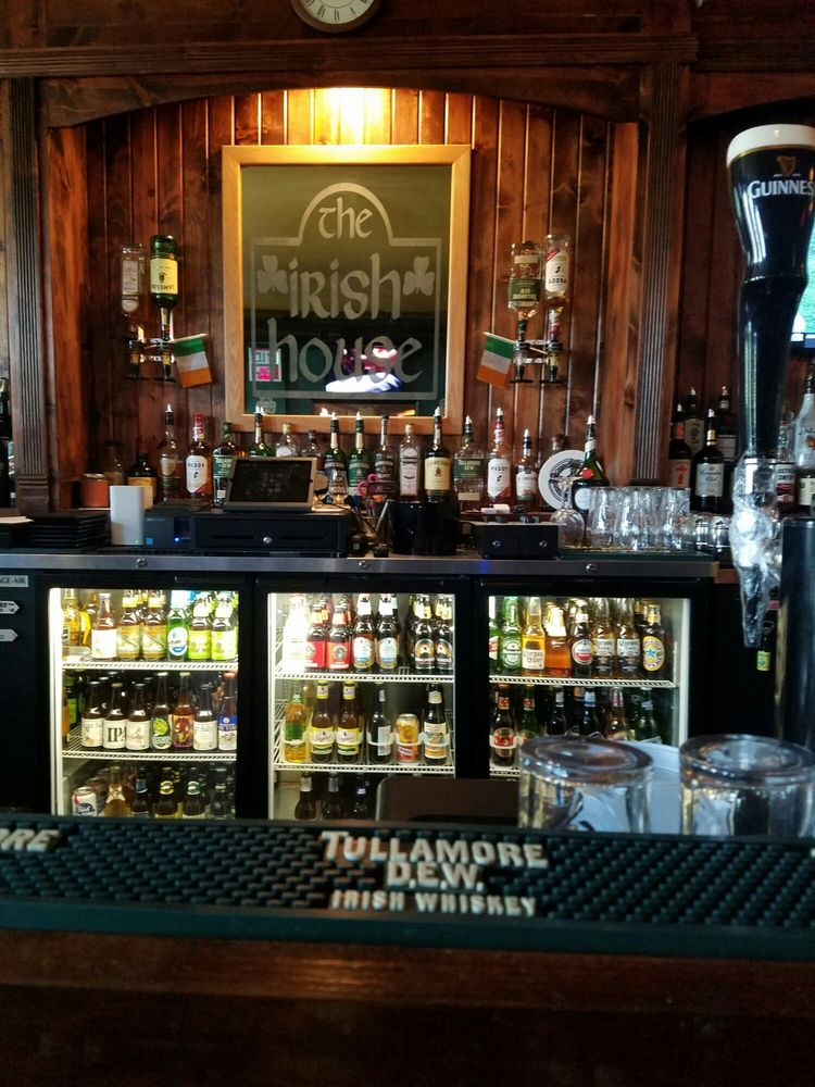 The Irish House: 139 1/2 S Calumet Rd, Chesterton, IN