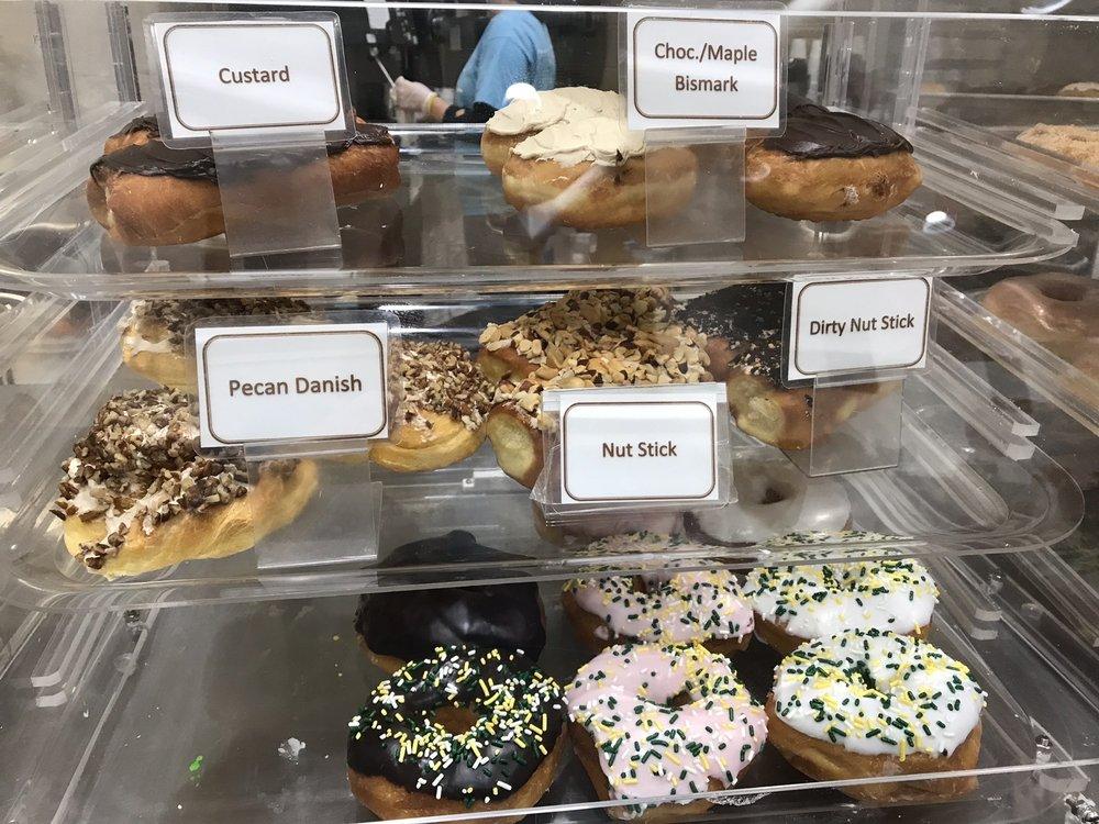 Titus Bakery & Deli: 1451 E 276th St, Atlanta, IN