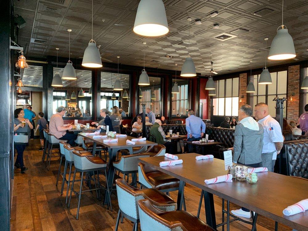 Iron Horse Tavern: 460 Palladio Pkwy, Folsom, CA