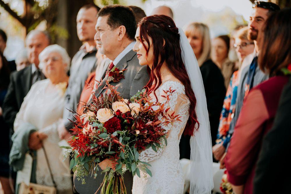 Kerman Floral & Gifts: 514 S Madera Ave, Kerman, CA