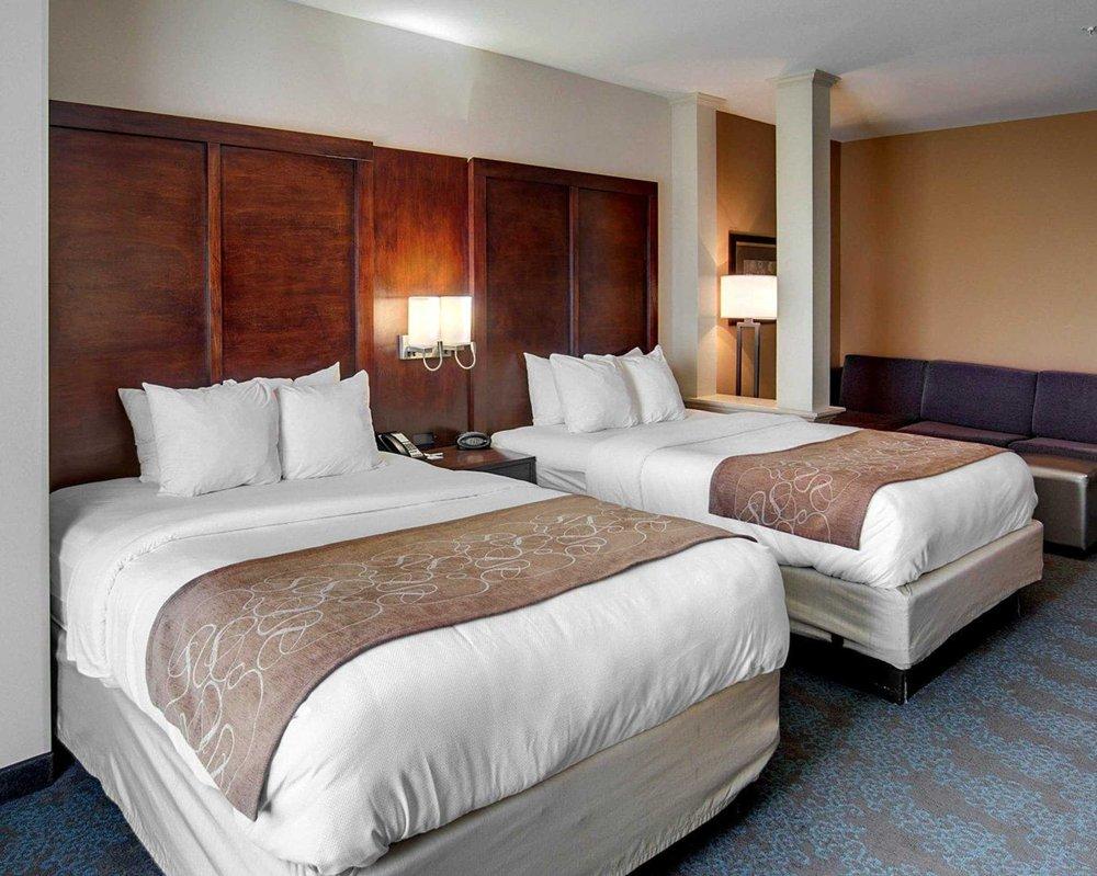 Comfort Suites: 5420 CrossRd Pkwy, Texarkana, AR