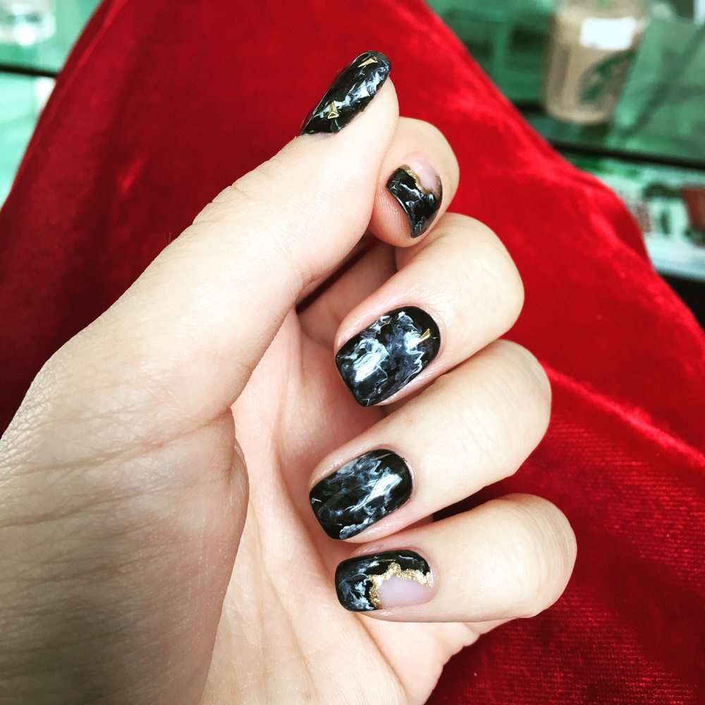 I got this nail art that other shops couldn\'t do for me. Super nice ...