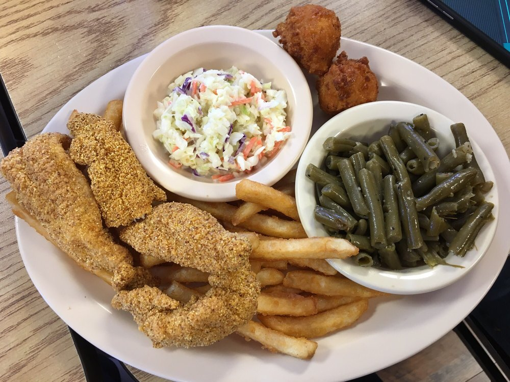 Fish Shack: 613 Porter Wagoner Blvd, West Plains, MO