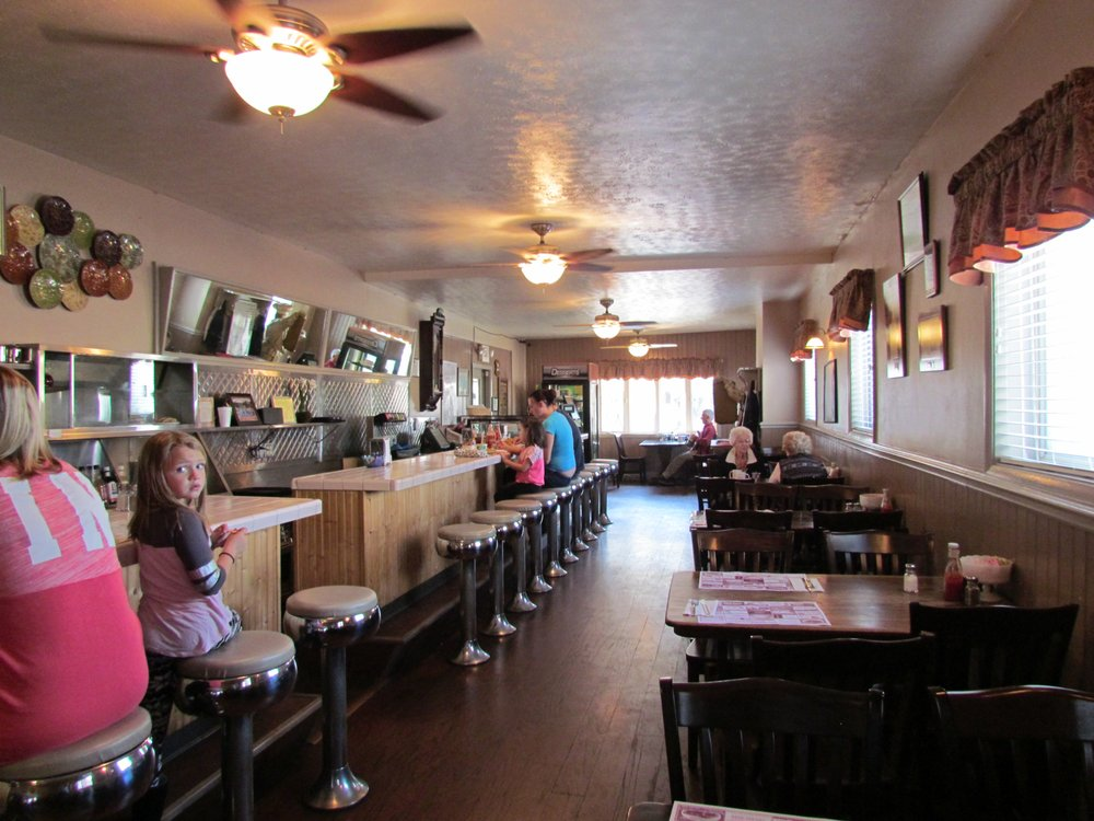 Hartley Inn Restaurant: 102 S Market St, Carmichaels, PA