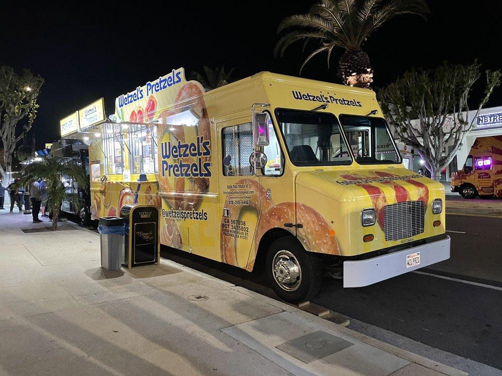 Wetzels Pretzels Food Truck: Los Angeles, CA
