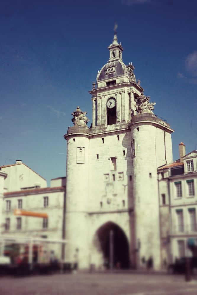 La grosse horloge 10 photos landmarks historical for O miroir la rochelle