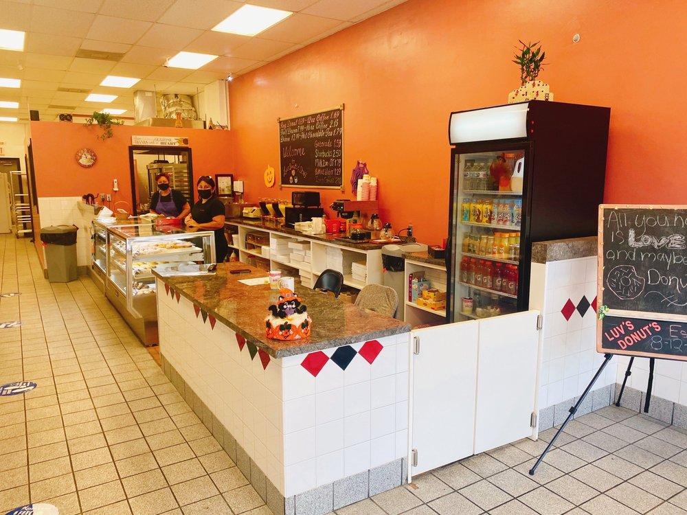 Luv's Donuts: 7893 West Sample Road, Coral Springs, FL