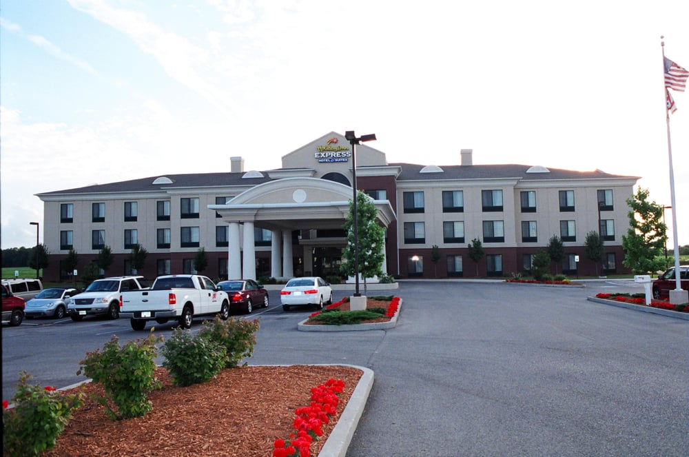 Holiday Inn Express & Suites Bryan-Montpelier: 13399 State Rte 15, Holiday City, OH