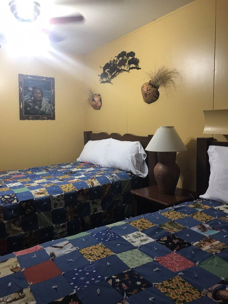 High Desert Lodge: 605 S Independence Dr, Big Water, UT