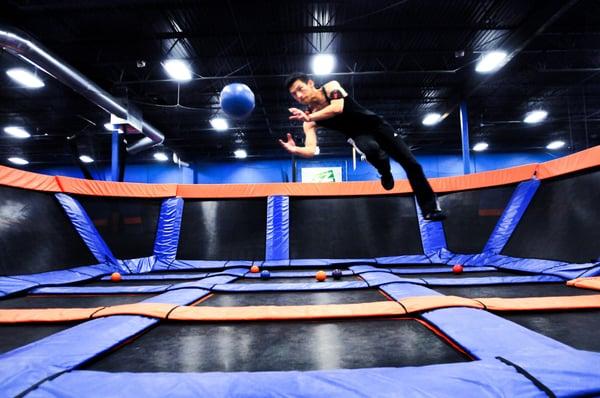 Sky Zone Indoor Trampoline Park Trampoline Parks Fort