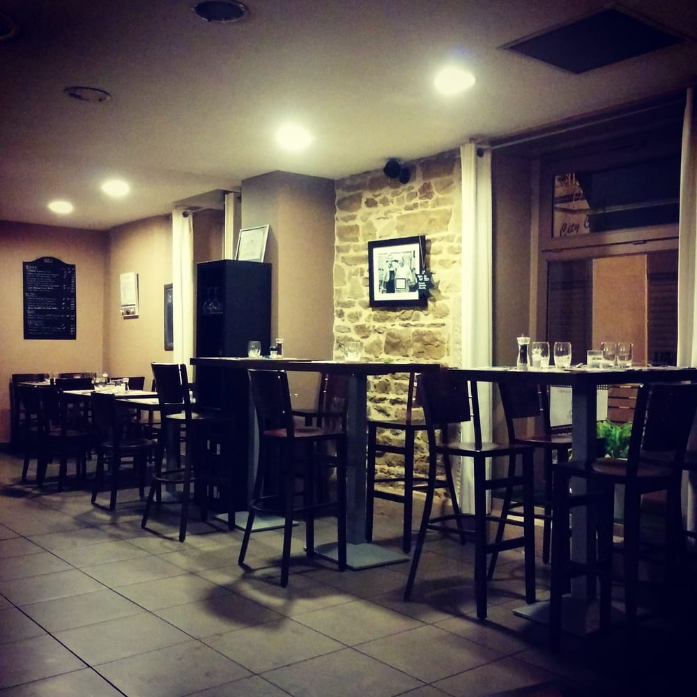 Rue St Pierre Restaurant Near By