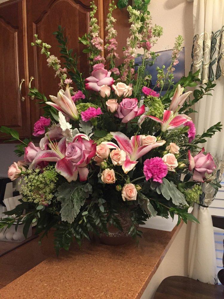 Westbank Florist: 4901 10th St, Marrero, LA