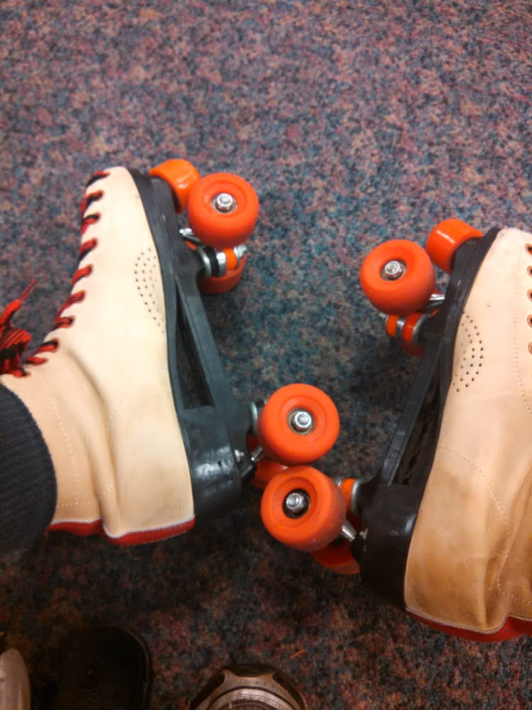 Skatetown USA: 8730 N Pavilion Dr, West Chester, OH