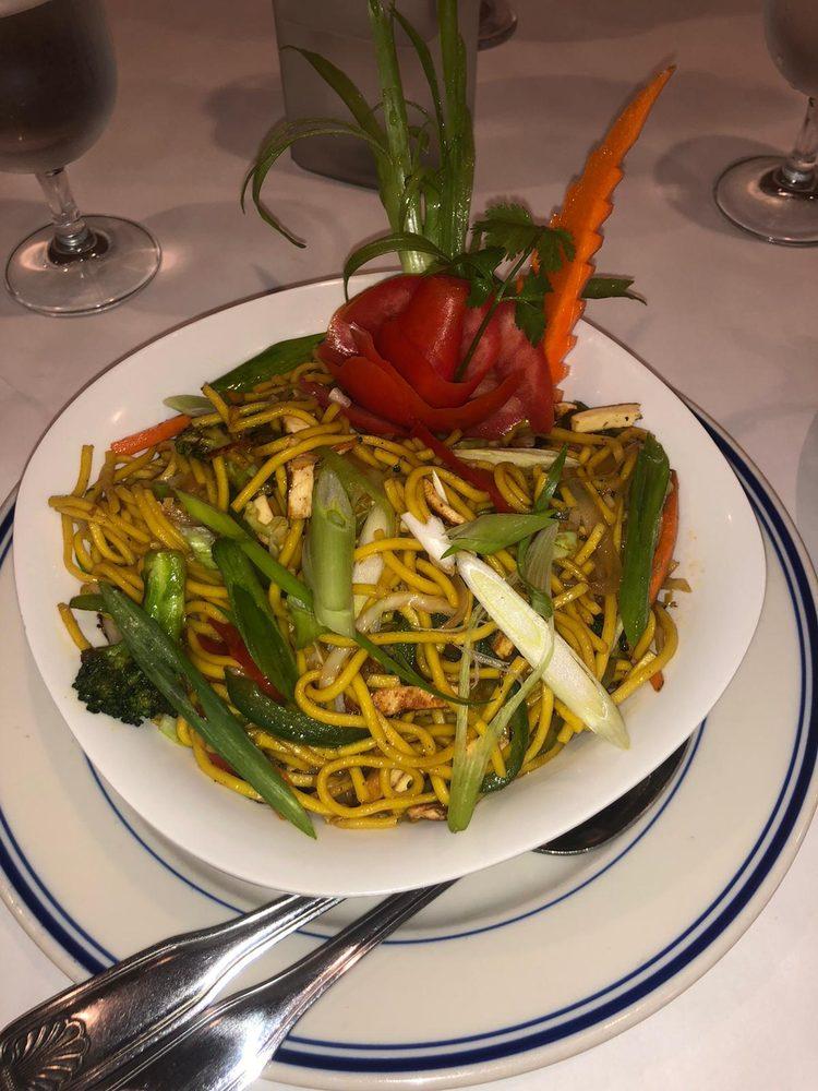 Bollywood  Bistro - Authentic Indian Cuisine: 1008 Hwy 34, Matawan, NJ