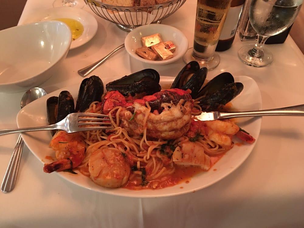 Zeffirelli Ristorante Italiano: 728 Pine St, Herndon, VA