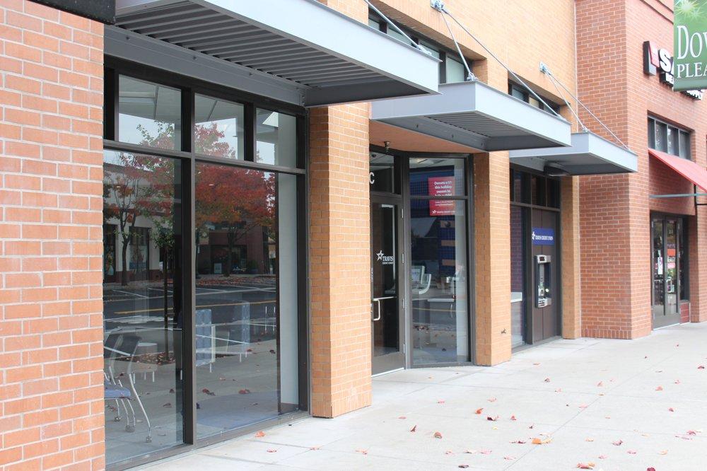 Travis Credit Union: 25 Crescent Dr, Pleasant Hill, CA