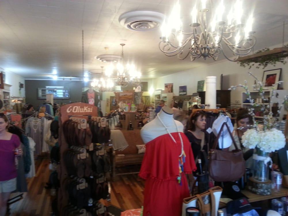 Blue Moon Boutique: 6 Greenville St, Newnan, GA
