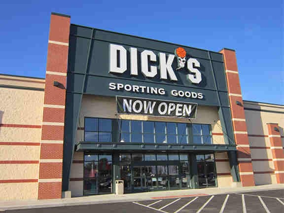 DICK'S Sporting Goods: 620 E McGalliard Rd, Muncie, IN