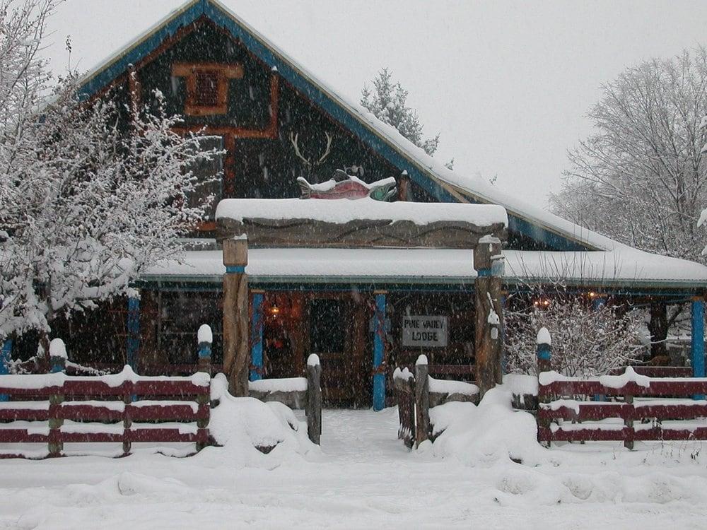 Pine Valley Lodge: 163 N Main St, Halfway, OR