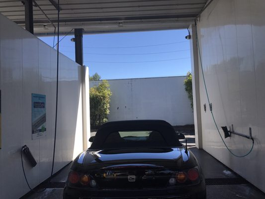Brown bear car wash 601 7th ave kirkland wa unknown mapquest solutioingenieria Images