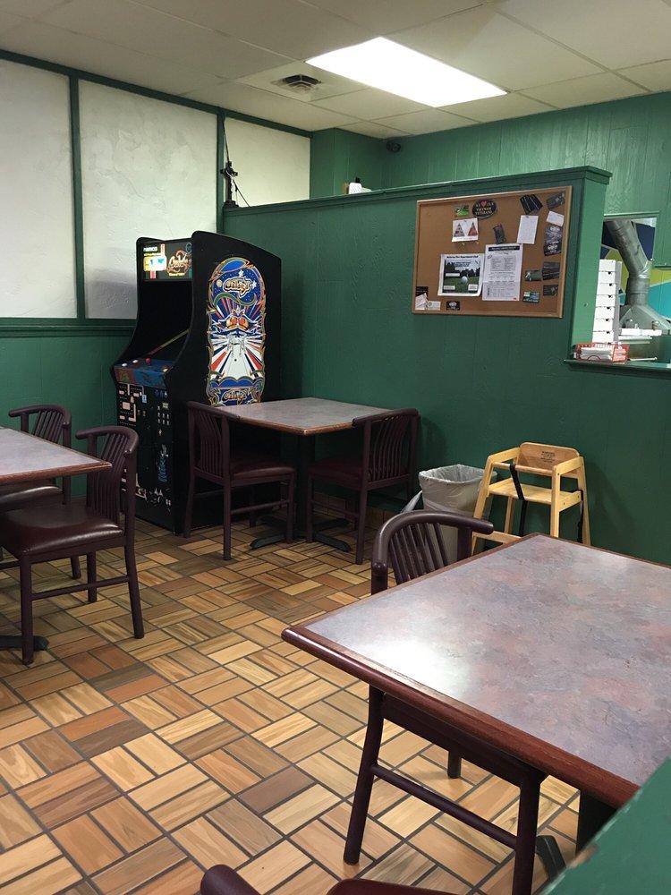 Pizza Wheel: 103 N Buckeye St, Bellevue, OH