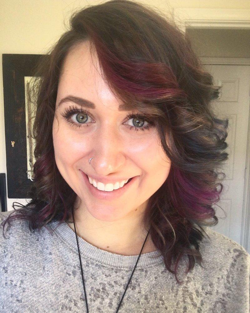 Cloud 9 salon coiffeurs salons de coiffure 950 windy for Samantha oups au salon de coiffure