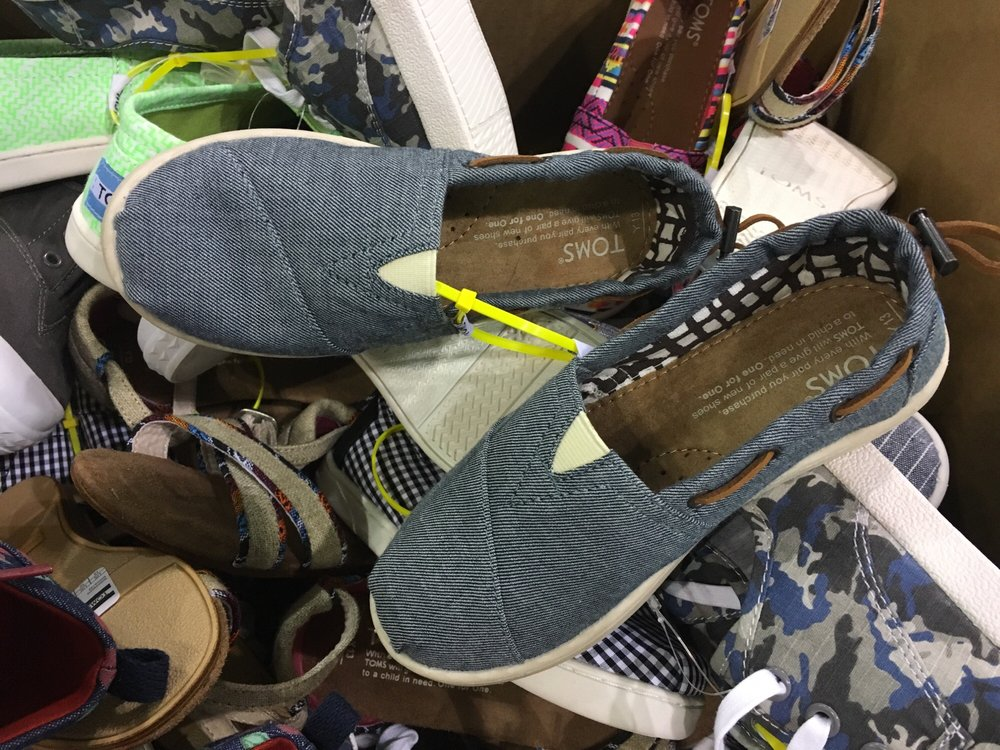 Toms Warehouse Sale: 1600 Exposition Blvd, Sacramento, CA
