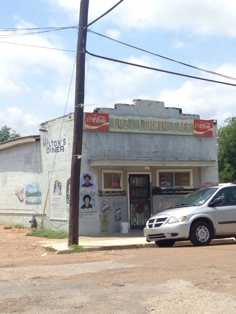 Blues Corner Cafe: 226 Church St, Indianola, MS