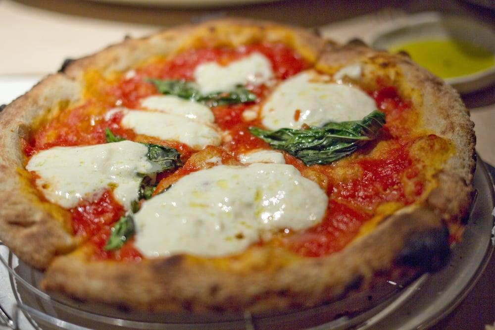 tomato and buffalo mozzarella pizza