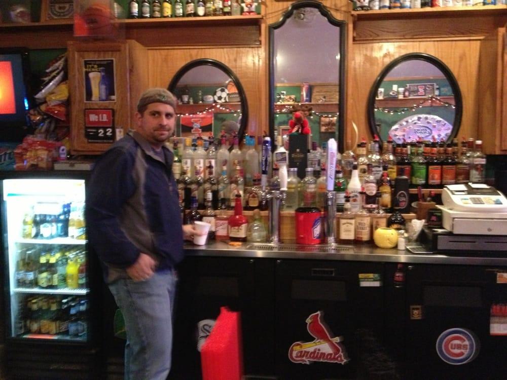 Daly's Sports Bar: 116 Washington St, Philo, IL
