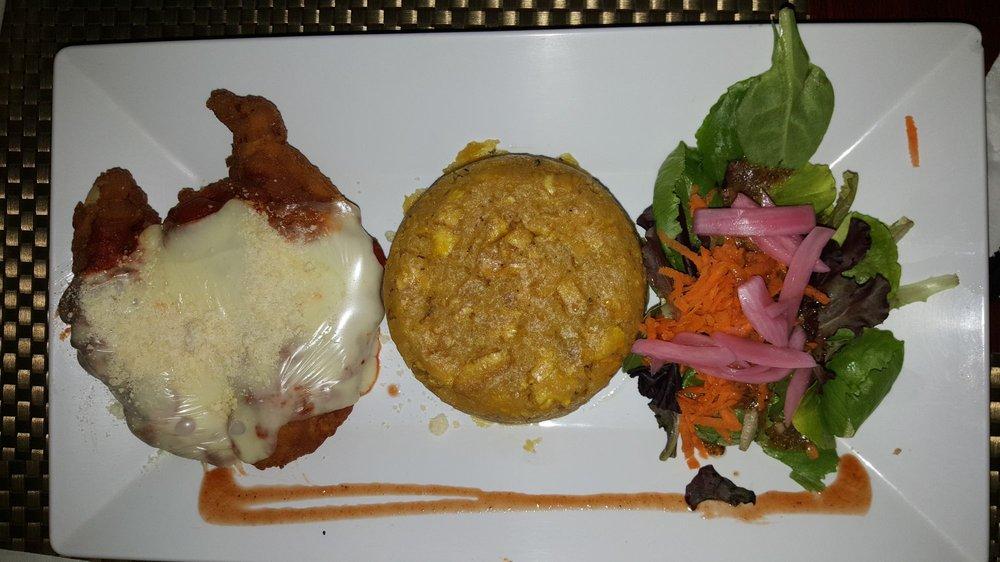 Alejandro's Restaurant: West Main Avenida S/N, Bayamón, PR