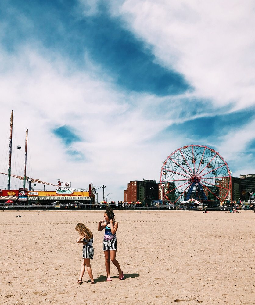 Deno's Wonder Wheel Amusement & Kiddie Park