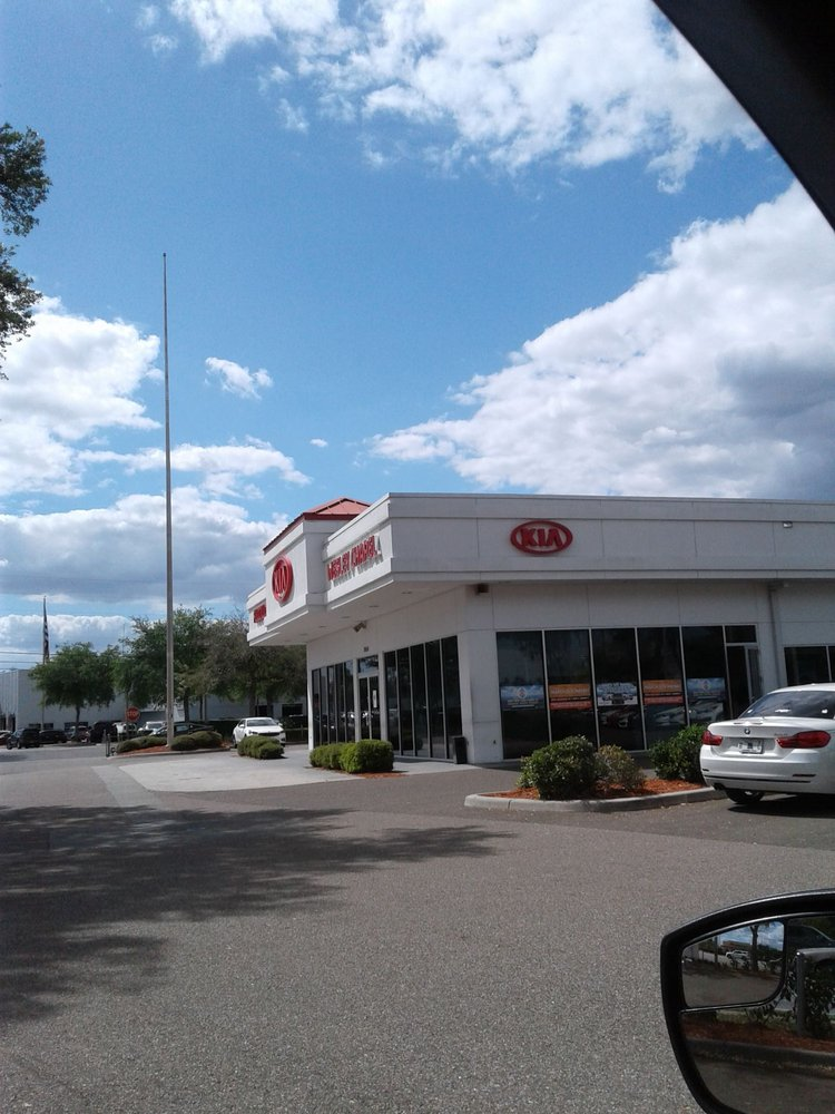 Fuccillo Kia of Wesley Chapel - 32 Photos & 119 Reviews
