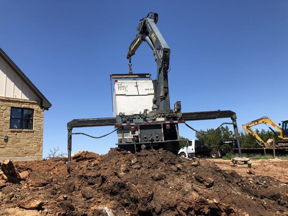 Septic Pumping And Maintenance: 911 RR 3404, Kingsland, TX