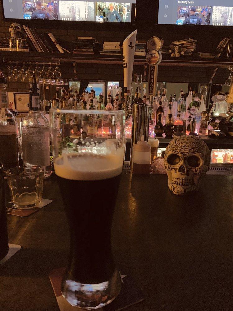 Classic Tavern: 6020 McPherson Rd, Laredo, TX